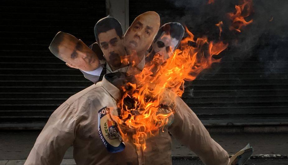 Nicolás Maduro y Donald Trump fueron los protagonistas más famoso en la tradicional quema de Judas en Venezuela (EFE)