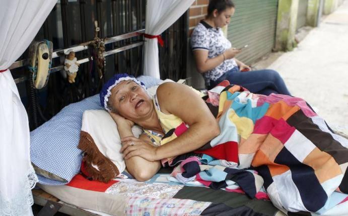 Día de la Pereza: colombianos se entregan al descanso entre camas y hamacas