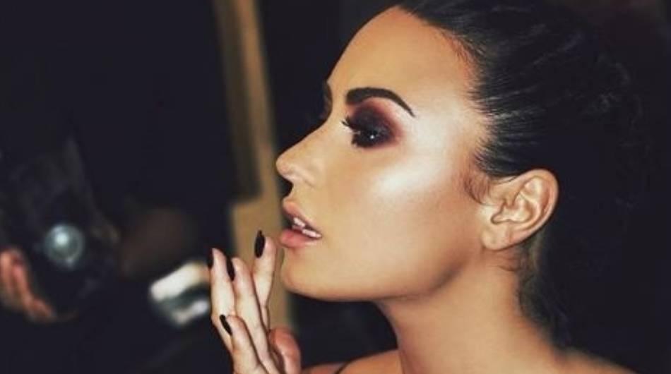 37fca34cb446 Instagram: Demi Lovato volvió a posar en lencería y aceleró el ...