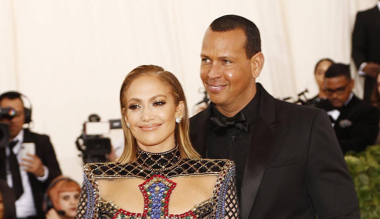 203a71574421 ... Jennifer Lopez ya tiene su primera candidata para dama de honor y es  Ellen DeGeneres ...